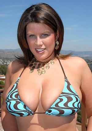 Big Tits Bikini Porn Pictures