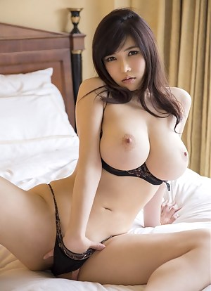 Young Tits Porn Pictures